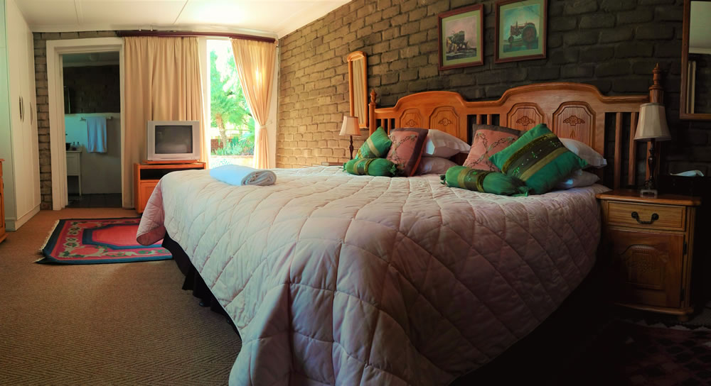 Accommodation in Hartswater | Room at Môreson Guesthouse